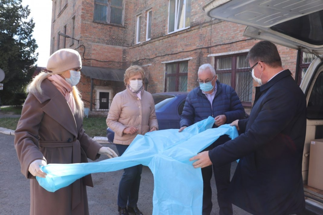 Нововолинська лікарня та поліція отримали засоби захисту