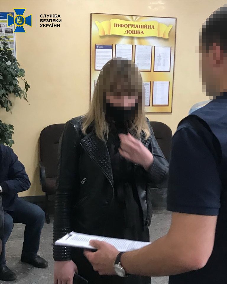 У Луцьку викрили на хабарах заступницю начальника відділу ГУНП
