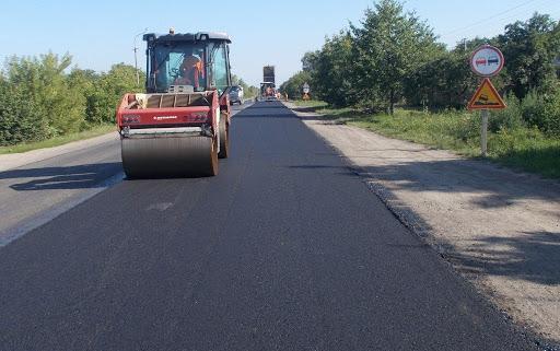 На ремонт місцевих доріг у Луцькому районі витратять три мільйони