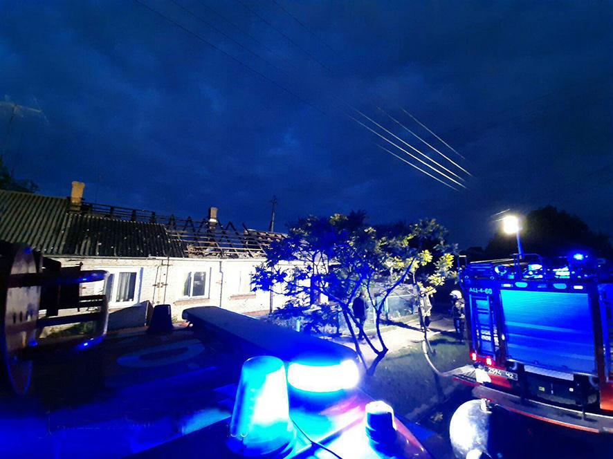 У Ківерцях вночі ліквідували пожежу у триквартирному будинку