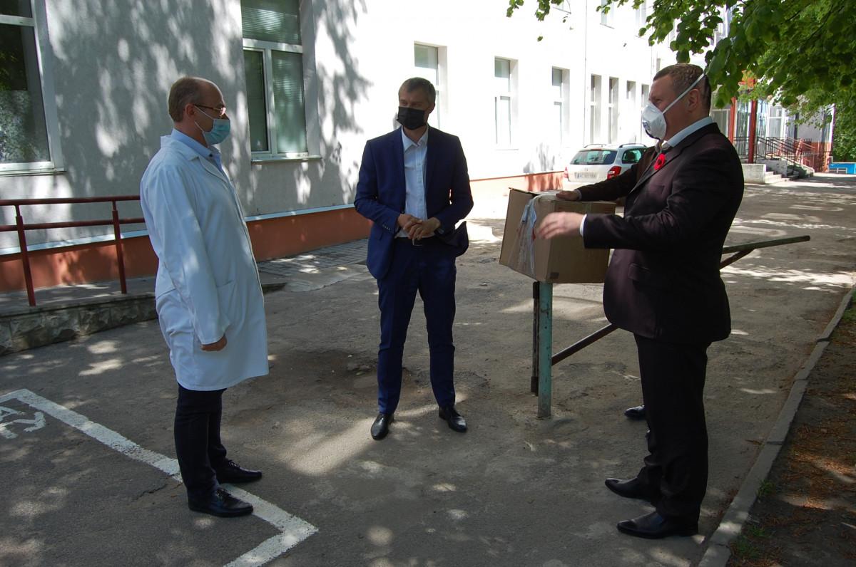 Для Волинської обласної інфекційної лікарні відремонтували апарат ШВЛ