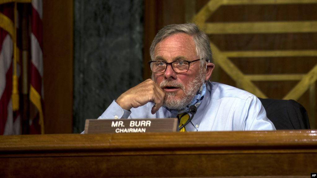 Глава комітету з розвідки Сенату США пішов з посади, бо розпродав акції перед коронакризою