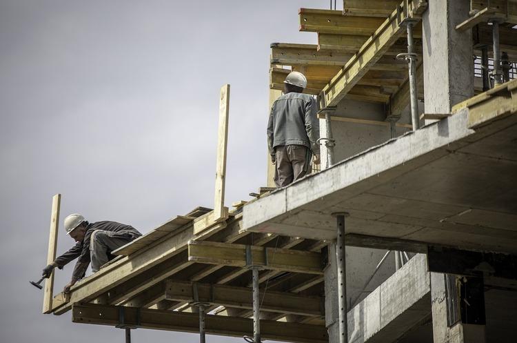 Депутати Луцькради виступили проти ініціатив Прем'єр-міністра у сфері реорганізації будівельної сфери