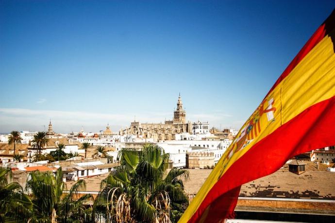 Іспанія розраховує відкрити кордони для туристів в кінці червня