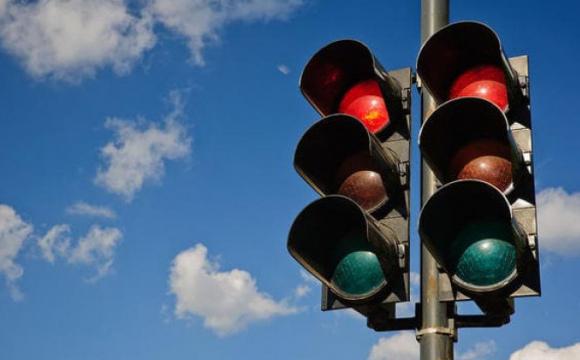 У Луцьку просять відрегулювати роботу світлофорів на одному з перехресть