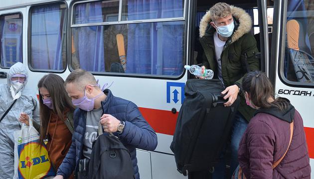 Шмигаль заявив, що карантин можуть продовжити після 22 травня