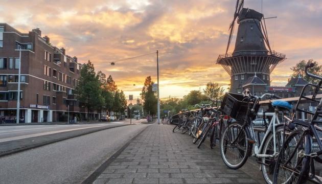 Нідерланди пом'якшують карантин