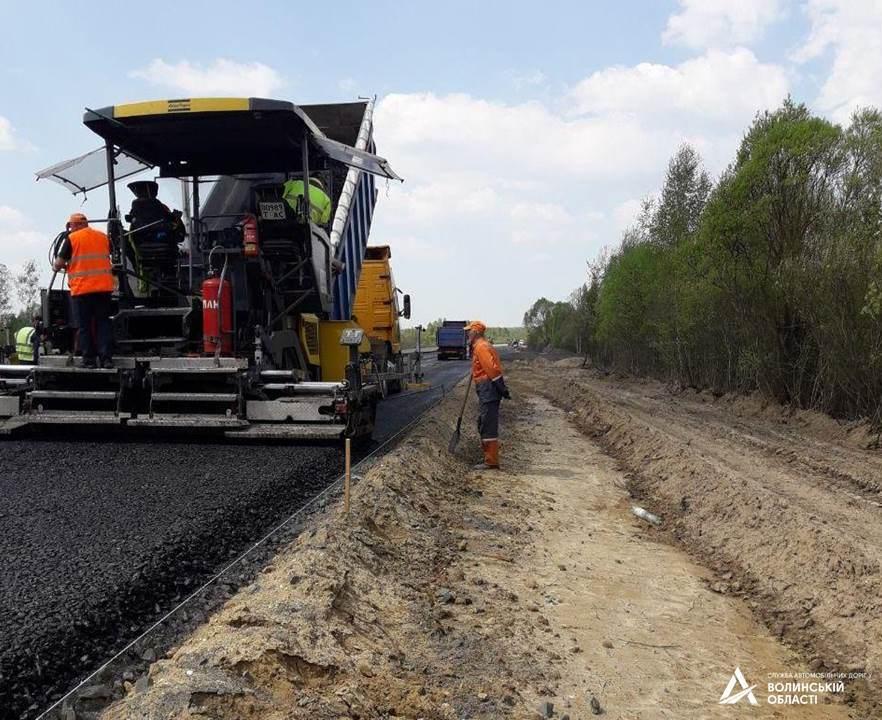 На Волині триває ремонт міжнародного автошляху
