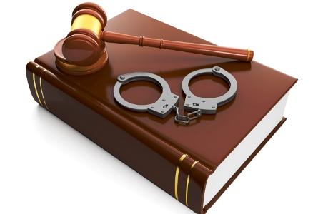 Волинський адвокат видурив у клієнта 3,5 тисячі доларів