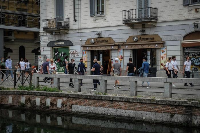 Італія з 18 травня відкриває бари, ресторани і перукарні