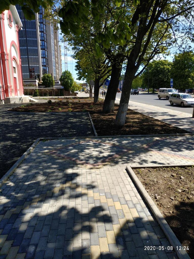 У Луцьку нарікають на непрофесійно спроектовану пішохідну доріжку