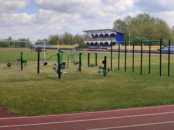 У райцентрі на Волині встановили новий спортивно-тренажерний майданчик