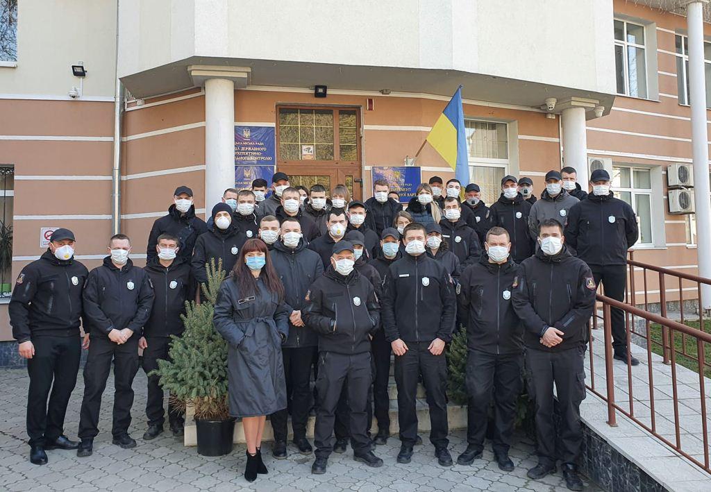 Послаблення карантину: муніципали у Луцьку обстежують ринки, ярмарки та перукарні