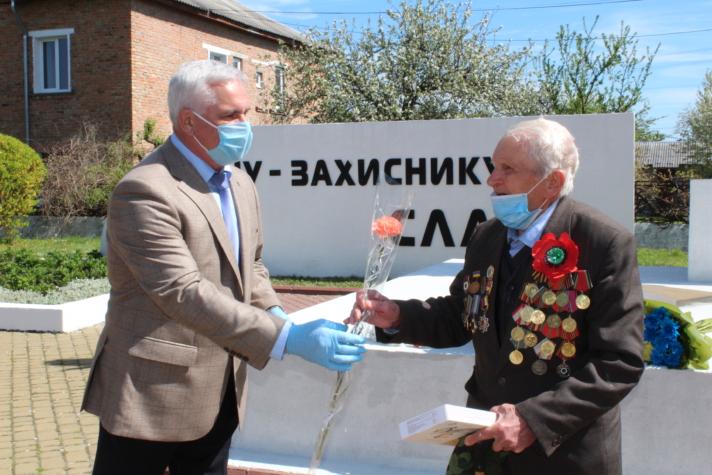 У місті на Волині вшанували подвиг ветеранів Другої Світової війни