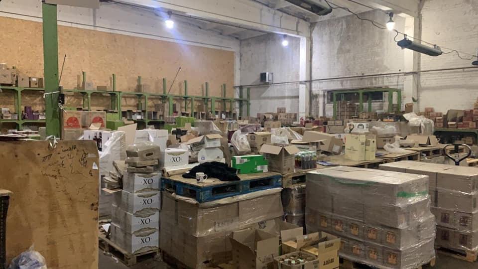 Працівники СБУ викрили склади з 60 тоннами контрафактного алкоголю у трьох областях