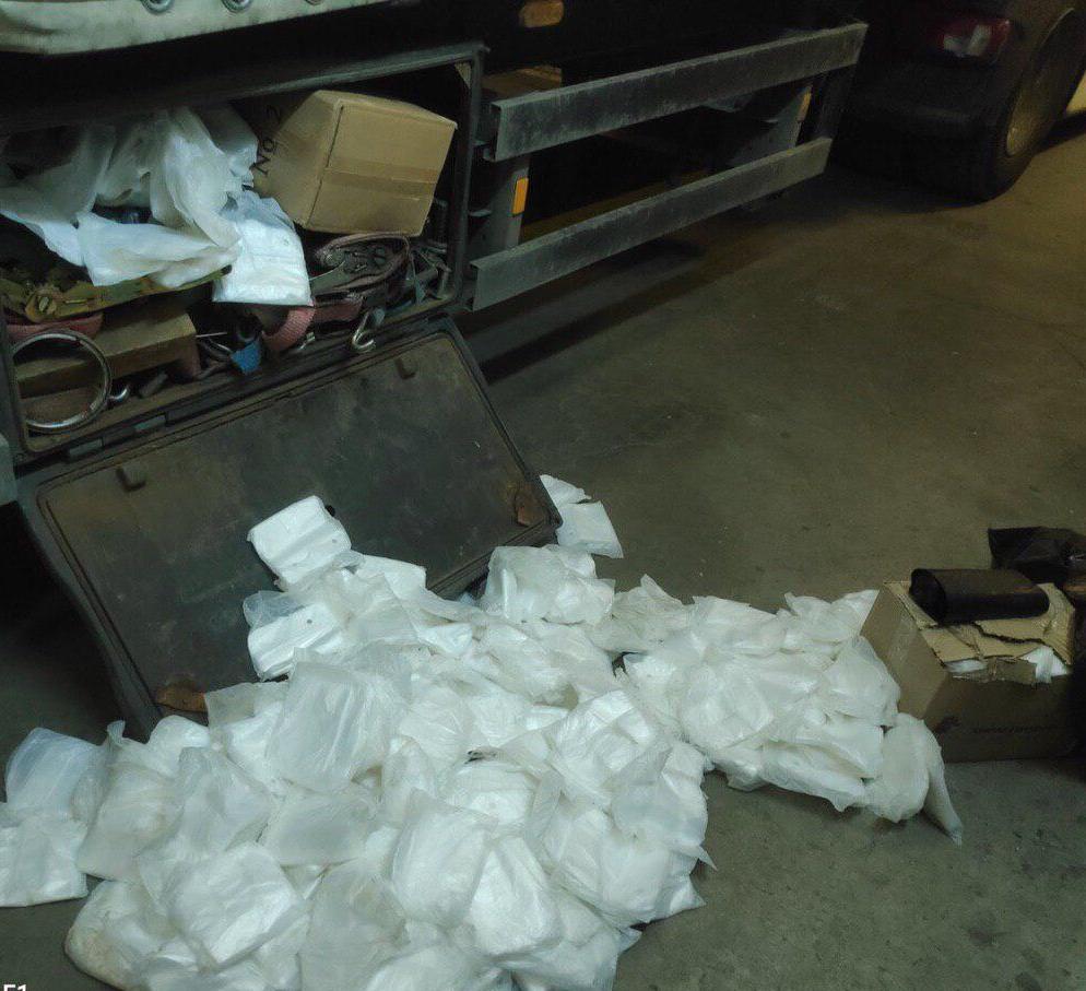 На «Ягодині» перешкодили вивозу 200 тисяч поліетиленових рукавичок