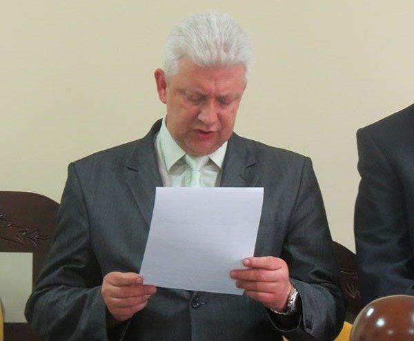 Заступник волинського суду декларує недобудовану нерухомість дружини та своє авто