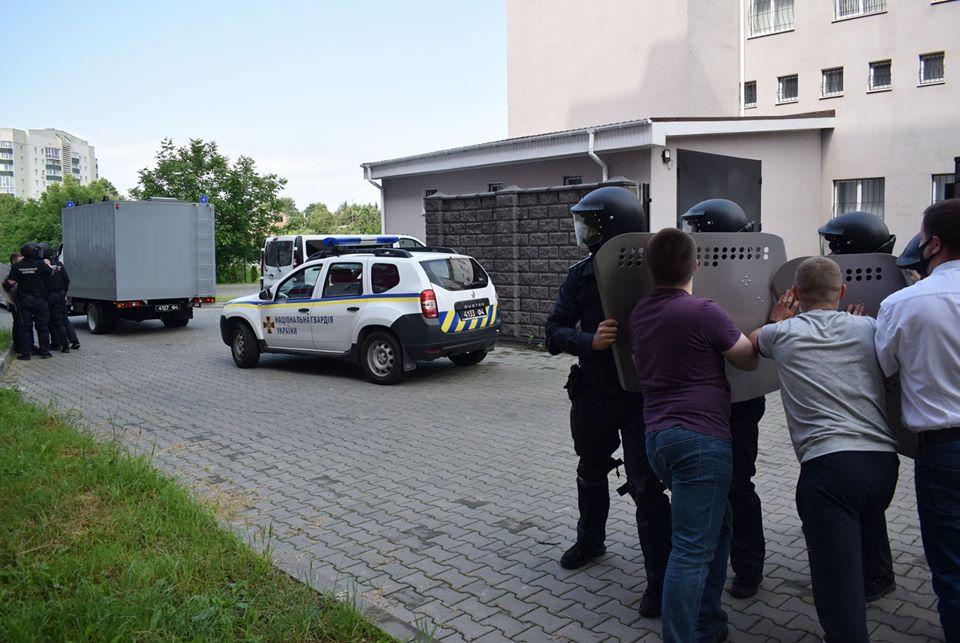 У Луцьку нацгвардійці спільно з правоохоронцями відпрацьовували дії у нестандартних ситуаціях