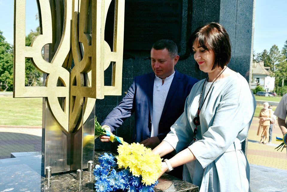 У Луцьку в умовах карантину відбулися урочистості до Дня Конституції України