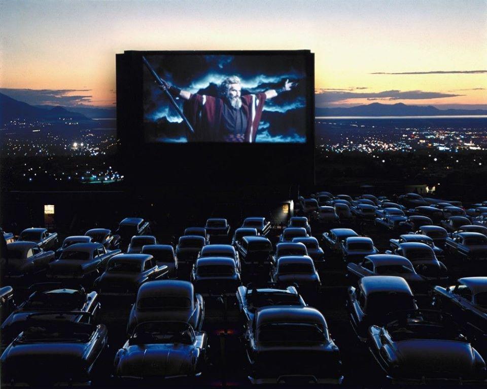 На території «Центрального» ринку Луцька пропонують облаштувати автомобільний кінотеатр