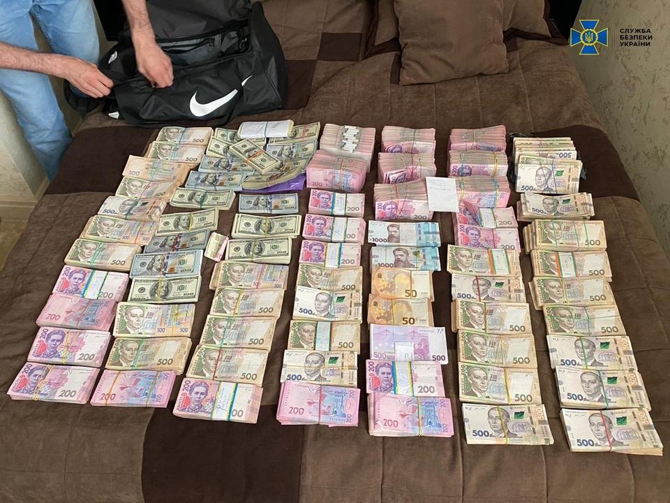 Голову ОДА затримали за підозрою у вимаганні 1,8 мільйона хабаря