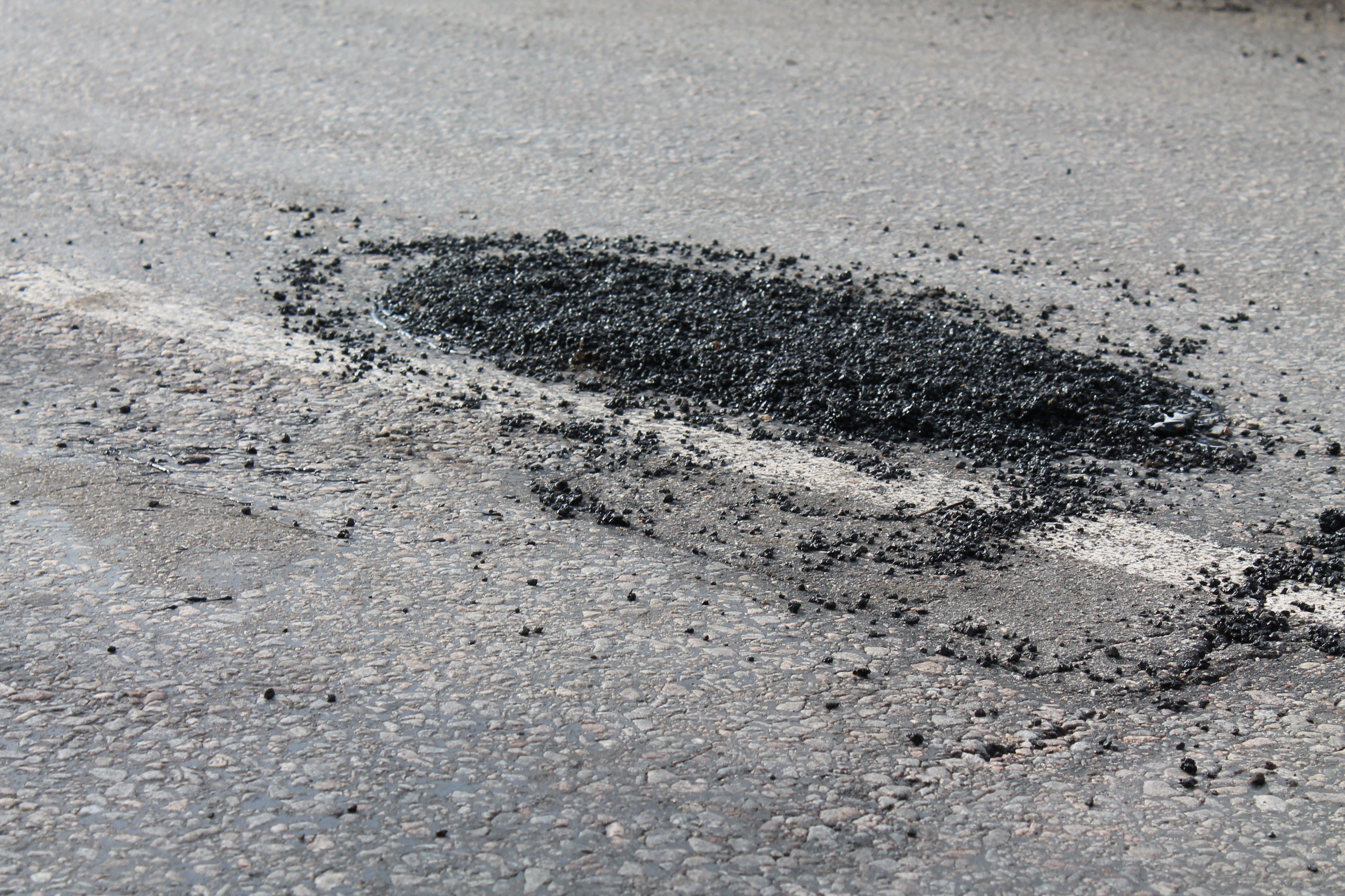 На поточний ремонт доріг у Луцьку планують витратити 700 тисяч