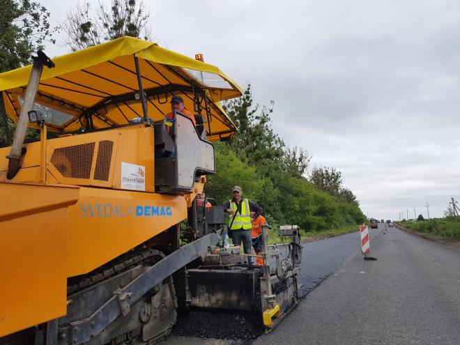 На Волині витратять понад 55 мільйонів на ремонт місцевої автодороги