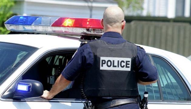 У Штатах на тлі протестів масово звільняються поліціянти