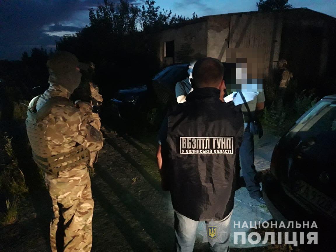 Підозрюваного у незаконному переправлянні іноземців у Польщу волинянина взяли під варту