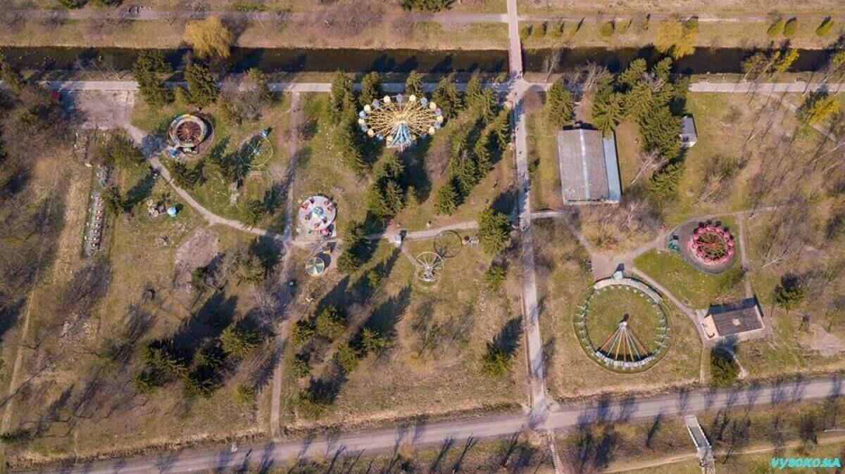 У центральному парку Луцька планують демонтувати атракціони