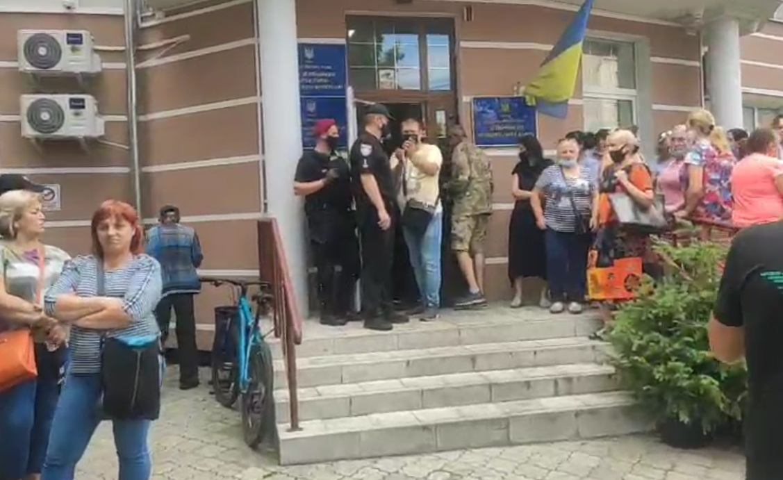 У Луцьку – акція протесту під будівлею департаменту муніципальної варти