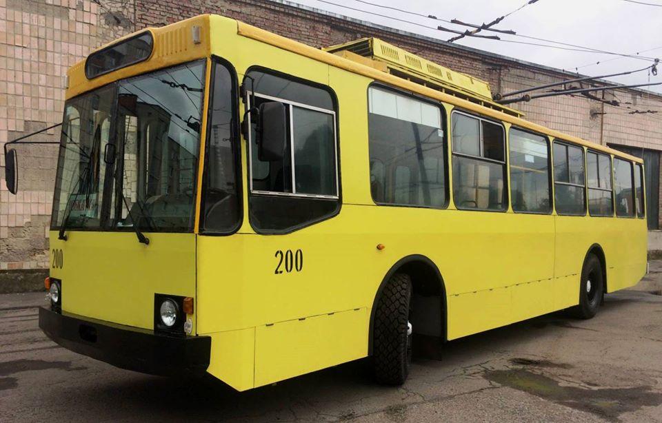 У Луцьку оновили тролейбус 1998 року випуску