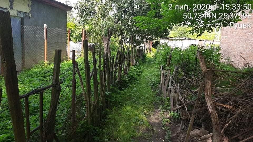 У Луцьку виявили низку незаконних парканів