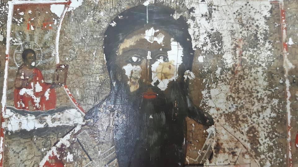Волинянин намагався вивезти за кордон старовинну ікону під виглядом планшету