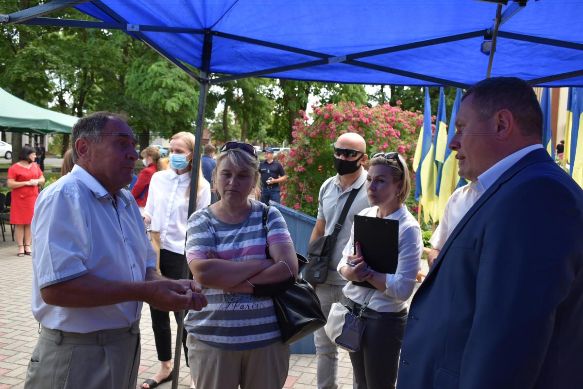 Дороги та новий адміністративний устрій: які проблеми на Маневиччині порушили перед Погуляйком