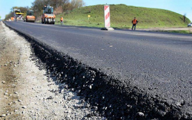 На Волині до кінця року обіцяють відремонтувати 140 кілометрів місцевих та комунальних доріг