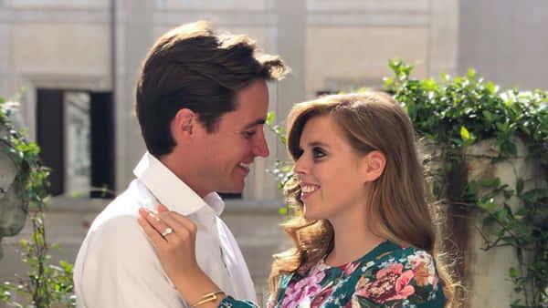 Британська принцеса вийшла заміж на церемонії з коронавірусними обмеженнями