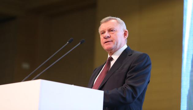 Голова Національного банку Яків Смолій написав заяву про звільнення через систематичний політичний тиск