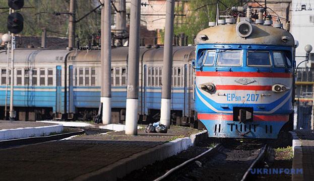 «Укрзалізниця» скасувала зупинки потягів у Луцьку й Тернополі, віднесених до «червоної» зони