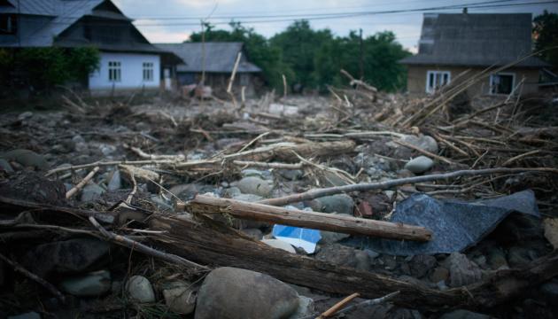 В Україні негода залишила без електрики 21 населений пункт, 10 – підтоплені