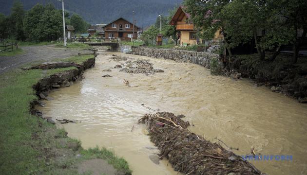 Підтопленими залишаються 11 населених пунктів у Західній Україні