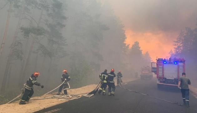 До гасіння пожеж на Луганщині залучили армію та Нацгвардію
