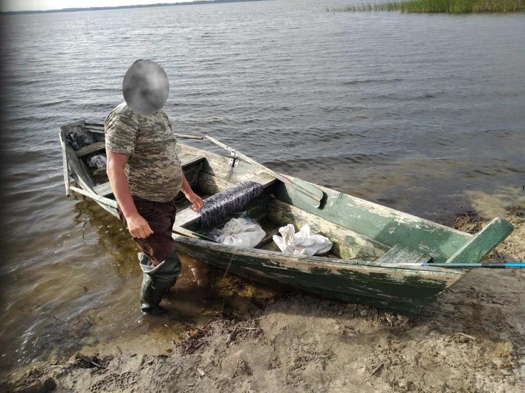 Під час рейду на Шацькі озера викрили порушників правил рибальства