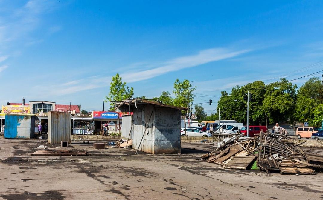 У Луцьку поділили ділянку «Центрального» ринку