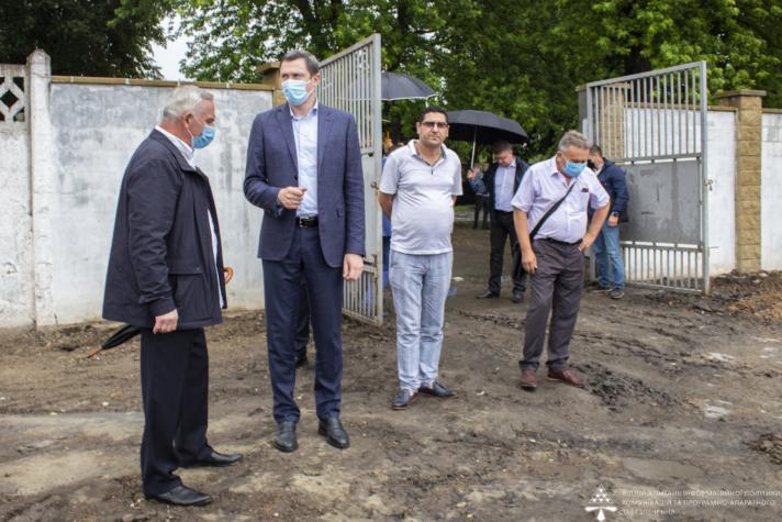 Міністр проінспектував ремонт міського стадіону у Нововолинську