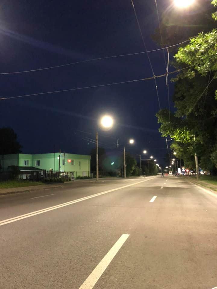 У Луцьку оновили зовнішнє освітлення на вулиці Володимирській
