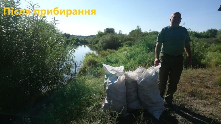 На Волині лісівники прибрали смітники, залишені мисливцями та рибалками