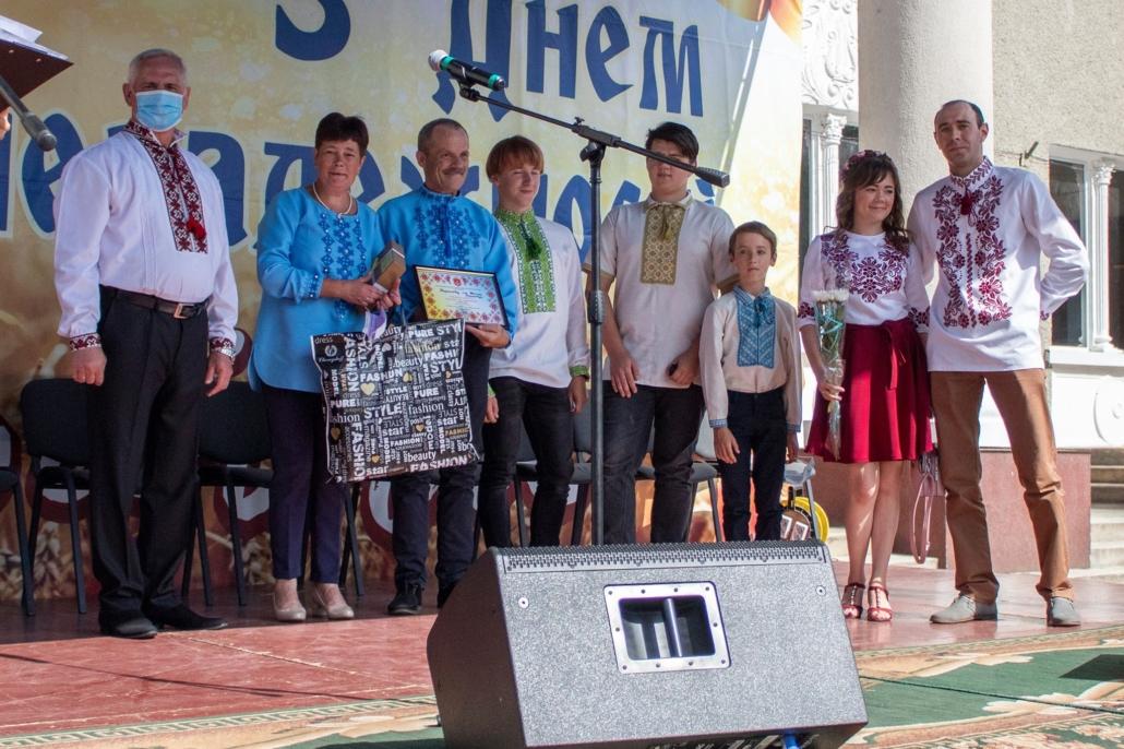 У Нововолинську нагородили володарів найкращих вишиванок