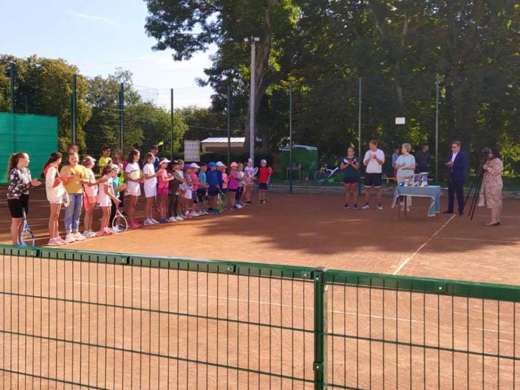 У турнірі на Волині змагаються понад 30 юних тенісистів
