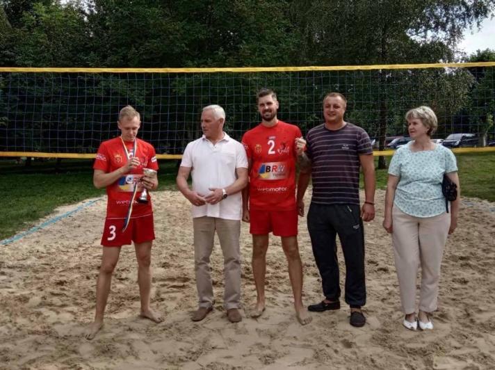 У місті на Волині визначили переможців змагань з пляжного волейболу